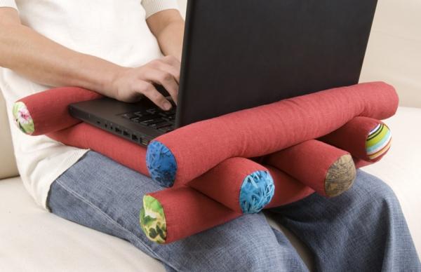 kreatives-Kissen-für-Laptops