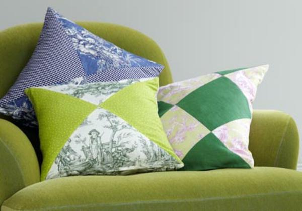 kreatives-nähen-drei-bunte-kissen - in einem sessel in grün