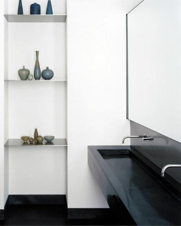 langes-waschbecken-in-schwarz-weiße-wände
