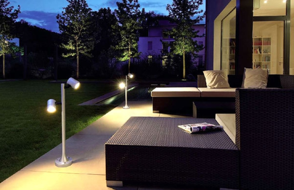 led gartenbeleuchtung f r ein romantisches ambiente. Black Bedroom Furniture Sets. Home Design Ideas