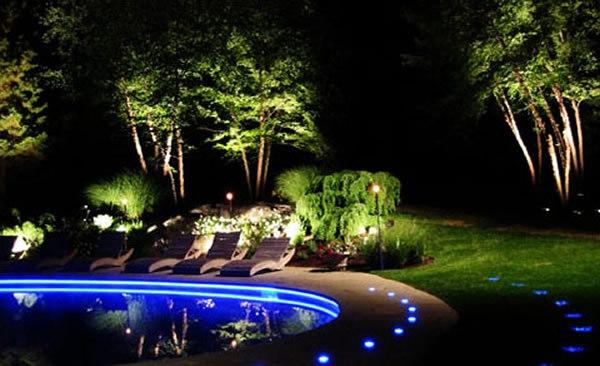 led-gartenbeleuchtung-sehr-schön in blau