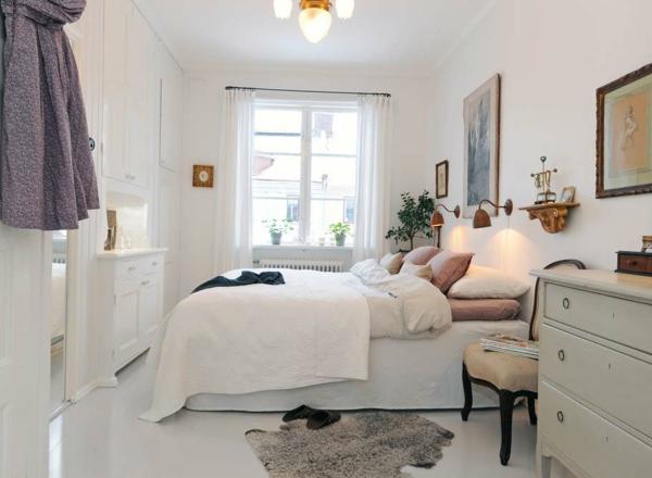 Minimalistisch aussehendes schlafzimmer in weiß klein und