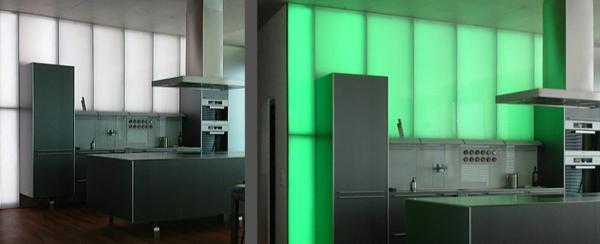 moderne-wandpaneele-für-küche-grelle-farbe- super gestaltet