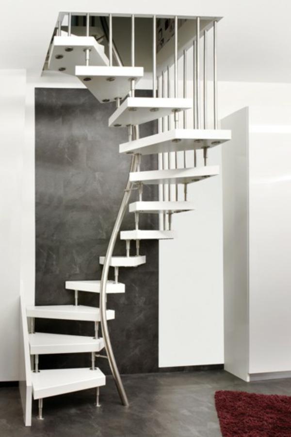 moderne_Innentreppe-raumsparend-in-Weiß