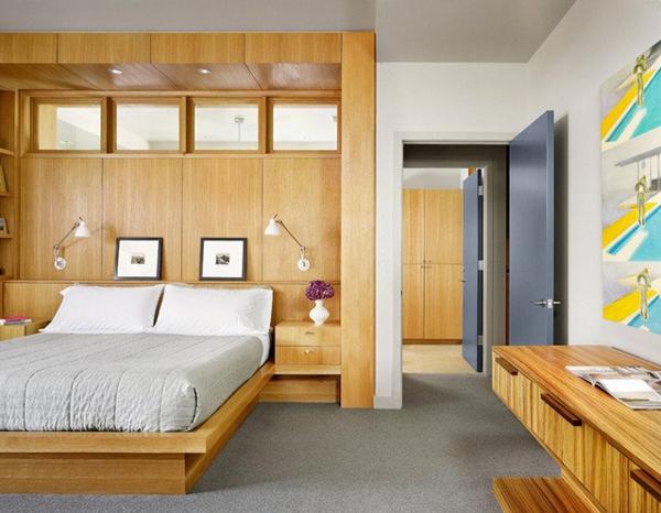 modernes-schlafzimmer-mit-leselampen-fürs-bett- hölzerne gestaltung