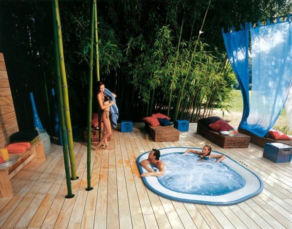 outdoor-jacuzzi-exotische-atmosphäre