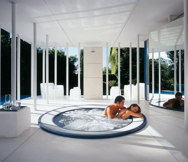 outdoor-jacuzzi-luxus-und-klasse