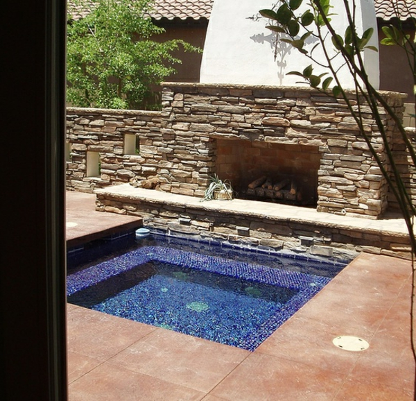 outdoor-jacuzzi-quadratische-form