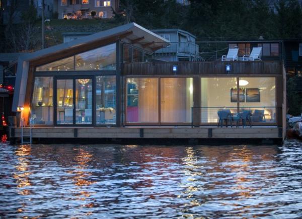super-modern-design-schwimmendes-haus