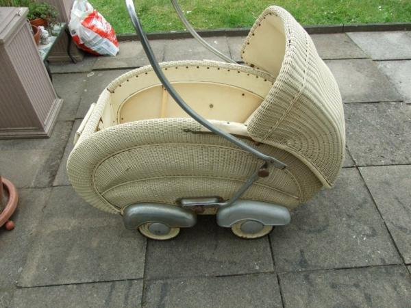 puppenwagen-korb-weiße-farbe - interessantes design