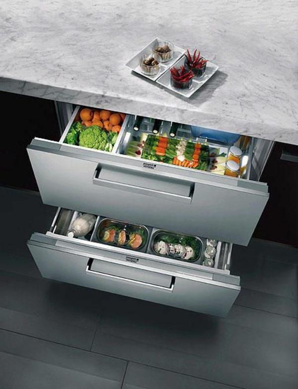 raumsprender-Schubladen-Kühlschrank-in-der-Küche