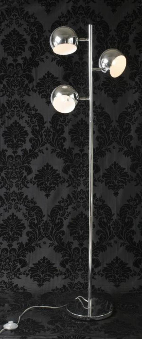 retro-stehlampe-schwarzer-hintergrund- super gestaltung