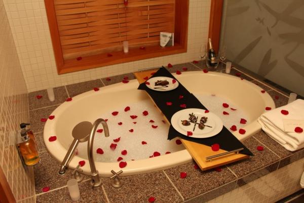 romantik-merkmale-im-badezimmer-süßigkeiten-im-bad-essen