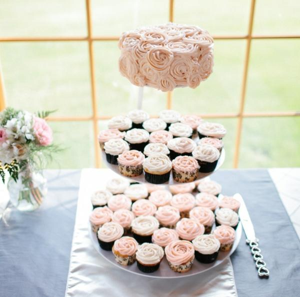 bluemen-rosen-cupcakes-für-hochzeit-tolle-idee-deko
