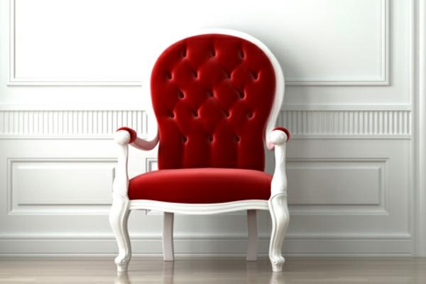 eleganter-roter-stuhl-retro-stil