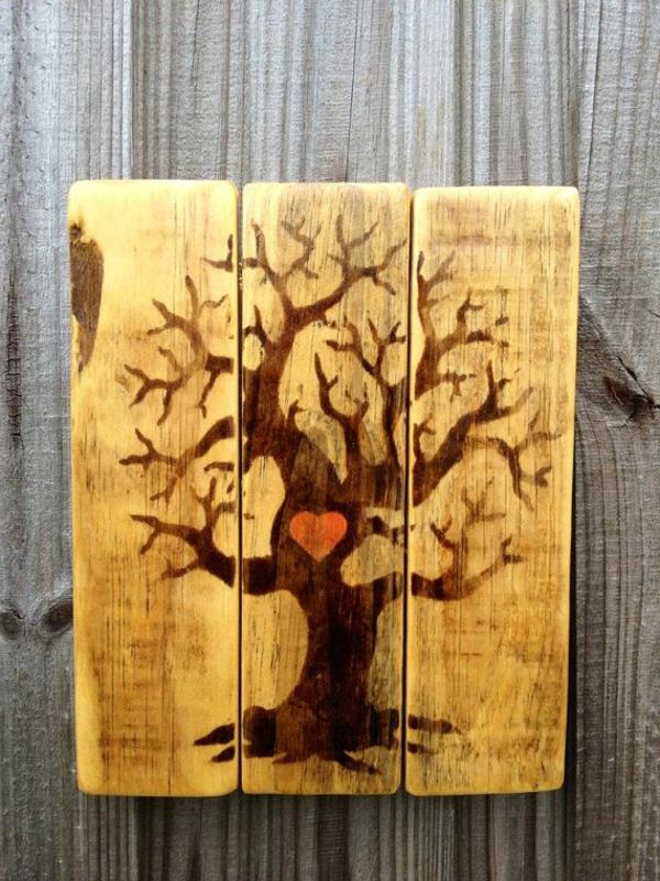 schöne-Dekoration-an-der-Wand-Baum-aus-Holz