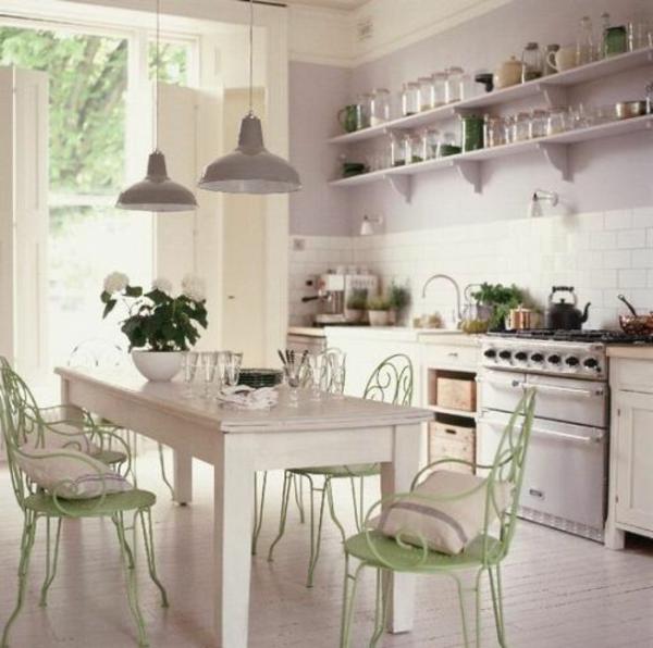 schöne-Küchengestaltung-mit-Vintagemöbel-tolle-Idee