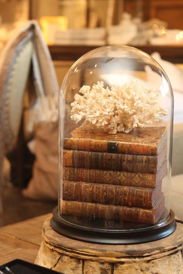schöne-außergewöhnliche-Dekoration-im-Glas-Bücher