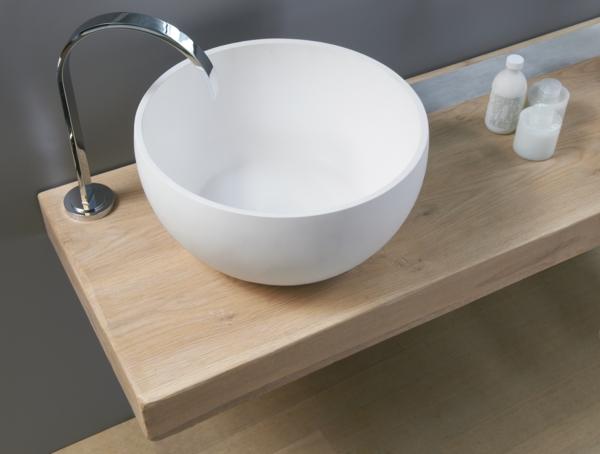 modernes-rundes-Waschbecken-weiße-farbe