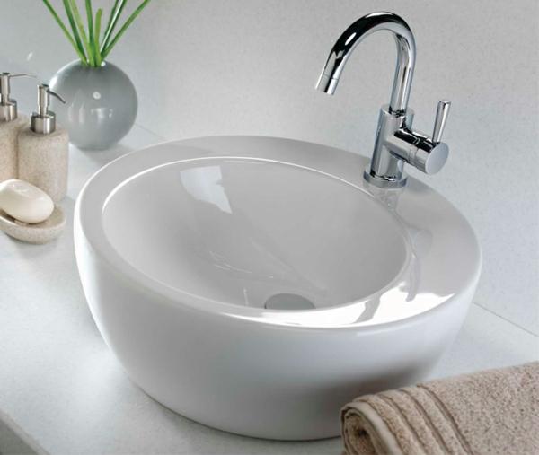 tolles-waschbecken-aus-porcelan-runde-forme