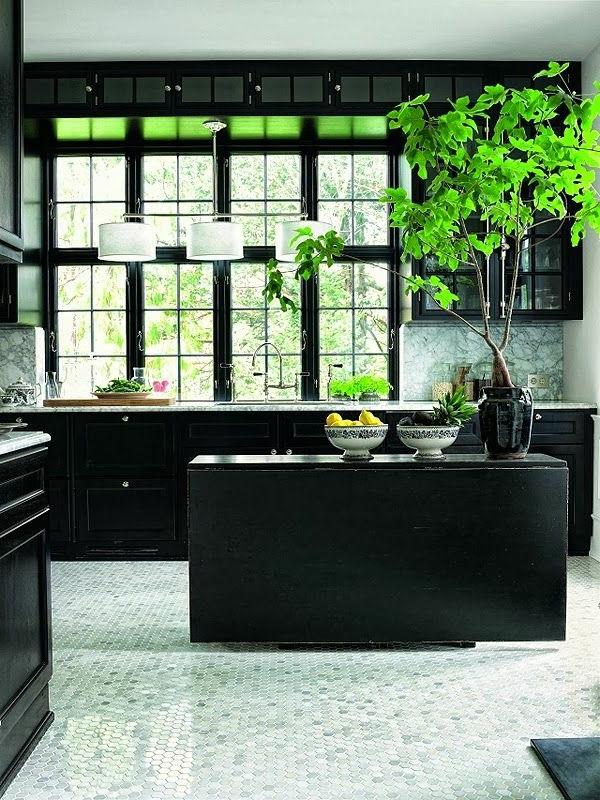 schwarze-wandfarbe-wohnzimmer-möbel-2