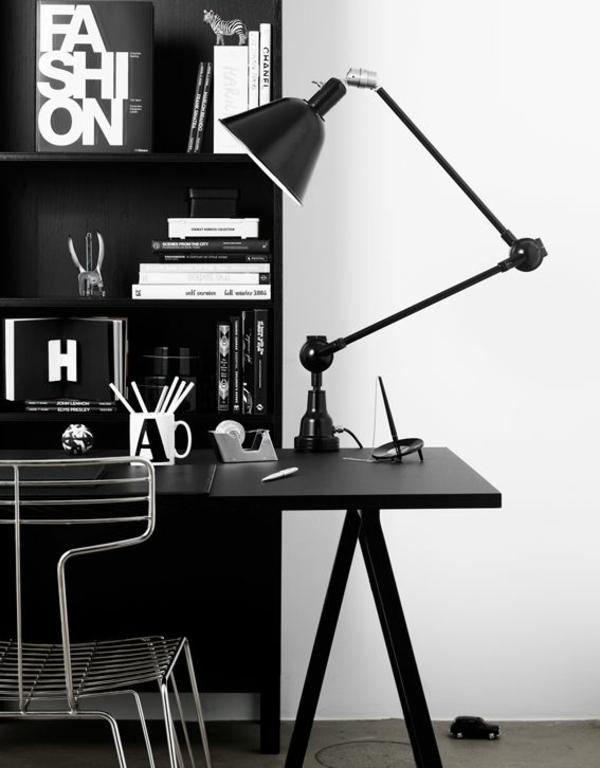 schwarze-wandfarbe-wohnzimmer-möbel-4