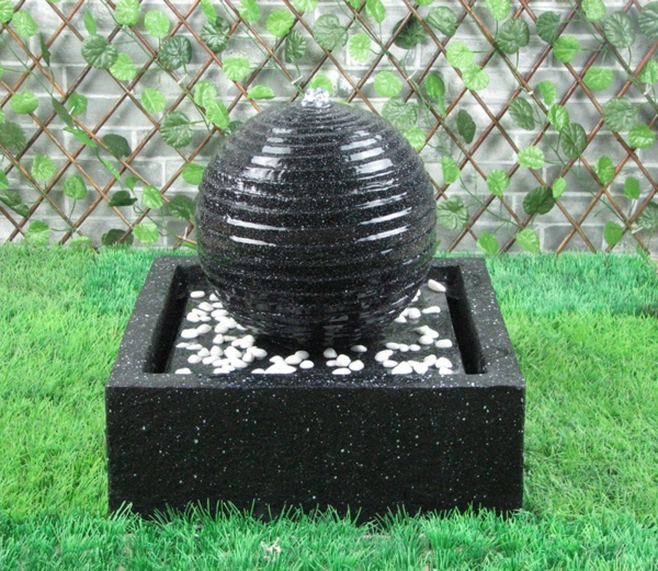 solar springbrunnen f r den garten. Black Bedroom Furniture Sets. Home Design Ideas