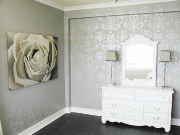 silberne-wandfarbe-im-schlafzimmer