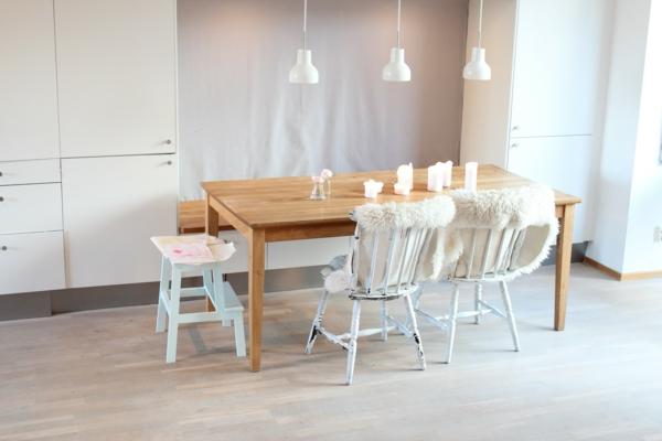 skandinavisches-design-weißes-wohnzimmer