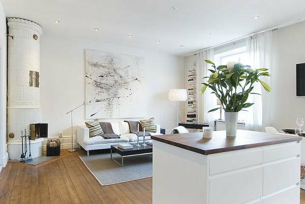 skandinavisches-design-weißes-zimmer- schönes bild an der weißen wand