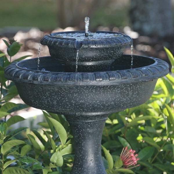 solar-fontäne-vogelbad-gartengestaltung-idee
