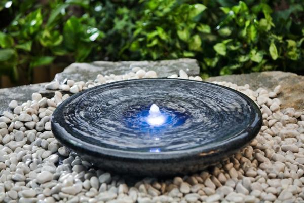 Wasserspiel Terrasse Solar : Solar Springbrunnen f u00fcr den Garten Archzine net