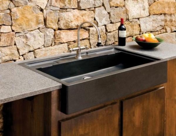 steinspülbecken-für-die- küche-schwarze-farbe- steinwand