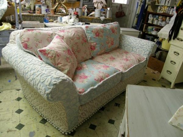 stoffe-mit-rosenmuster-sofa-bezüge- vintage aussehen