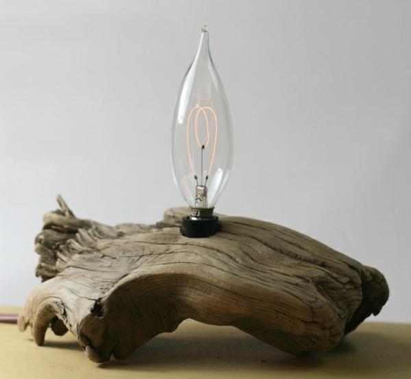 super-interessante-Tischlampe-Treibholz
