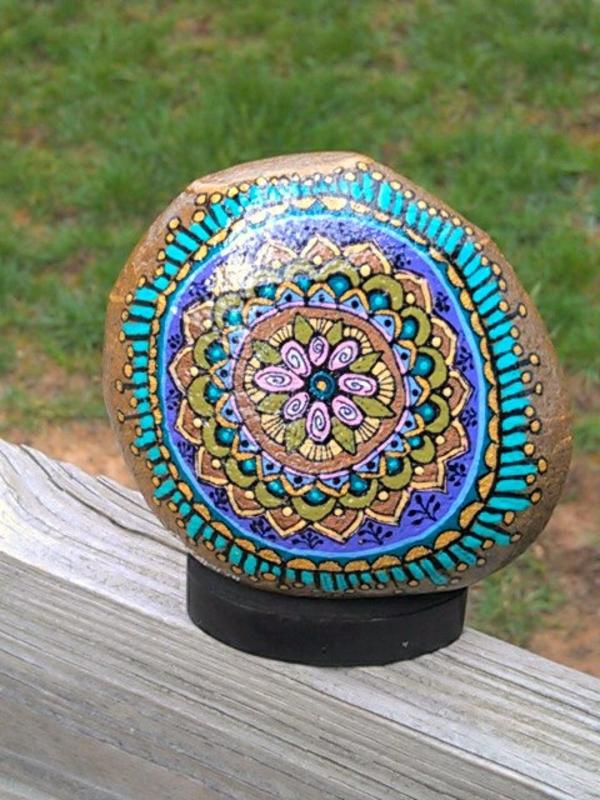 super-tolle-deko-aus-steinen-ornamenten