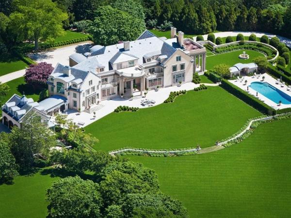 Haus mit Garten- erstaunliche Fotos