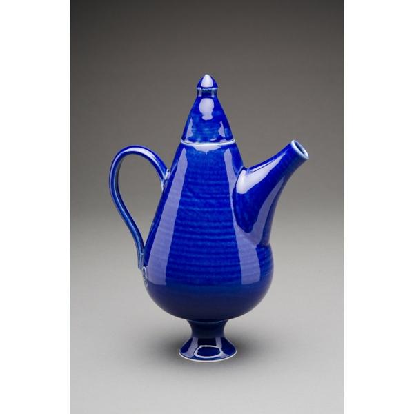 teekanne-in-blau-Helen