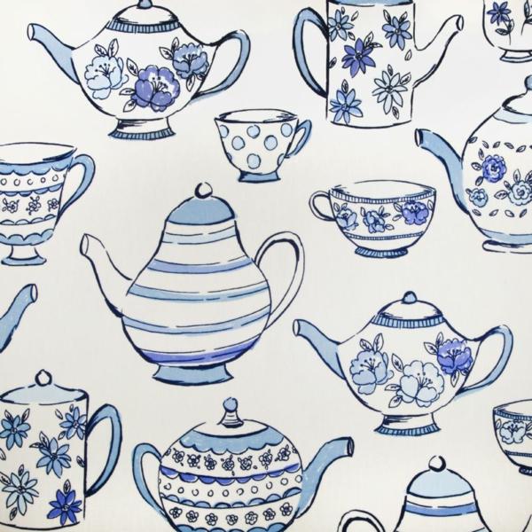 teekanne-in-blau-bild-tassen