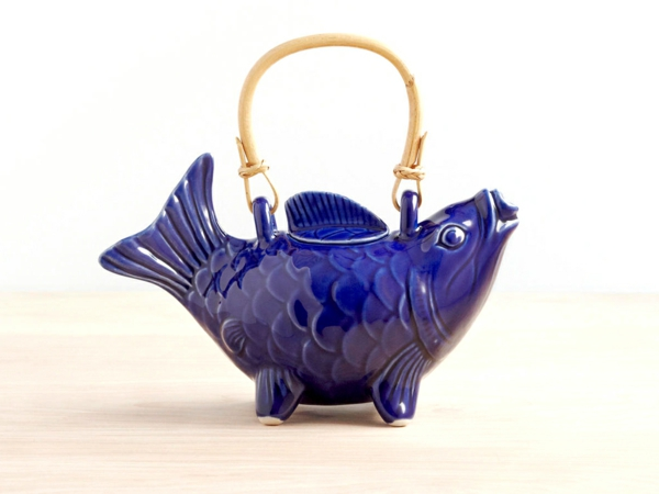 teekanne-in-blau-blau-Koi-Fish-