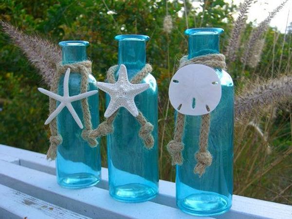 tolle-Flaschen-in-Blau-Dekoidee-Terrasse
