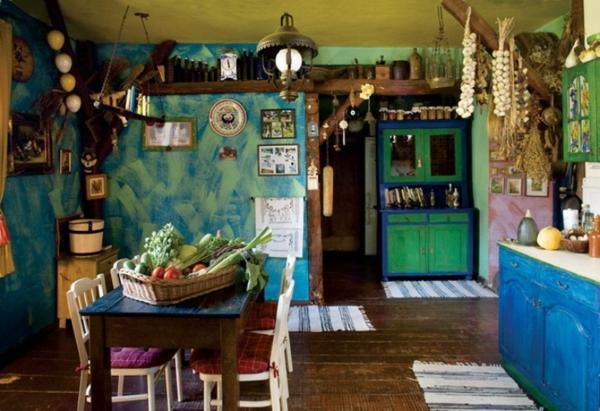 vintage- design möbel-bunte-küche-mit-grünen-Wände-bunt