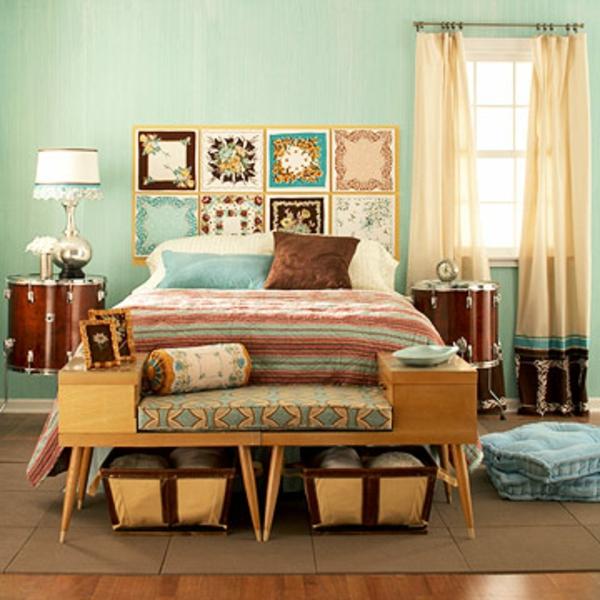 vintage- design möbel-das schlafzimmer-mit-den-Kissen-und-Deco-an-der-Wand