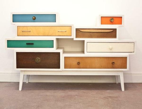 vintage- design möbel-recycled-schubladen-bunt-und-renoviert