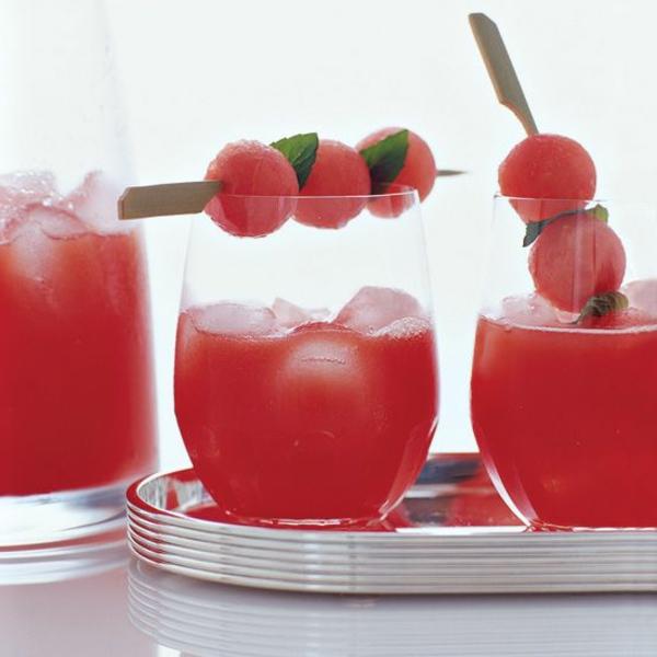 wassermelone-Cocktails-Dekoideen-wassermelonstücke