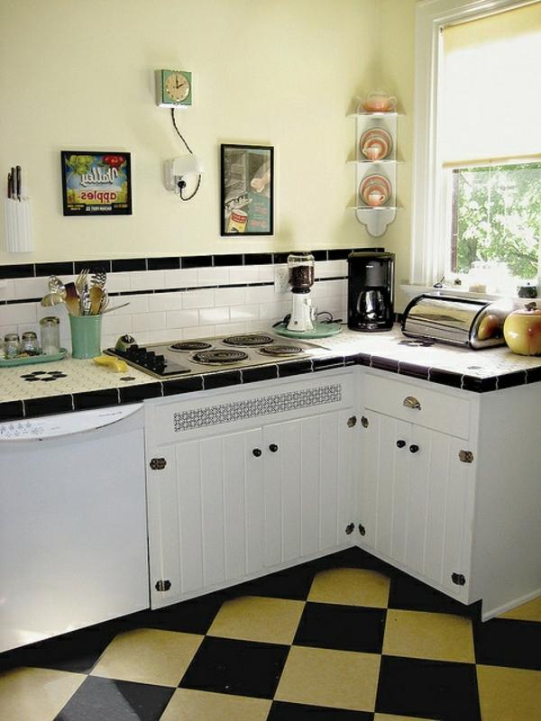 weiße-altmodische-Möbel-Vintage-Designidee
