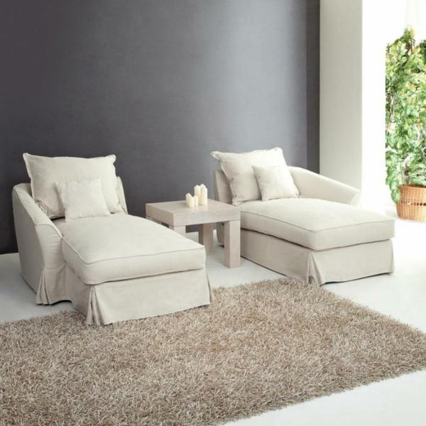 weiße-Lounge-Chair-Sessel-Teppich-Wohnzimmerdesign-Ideen