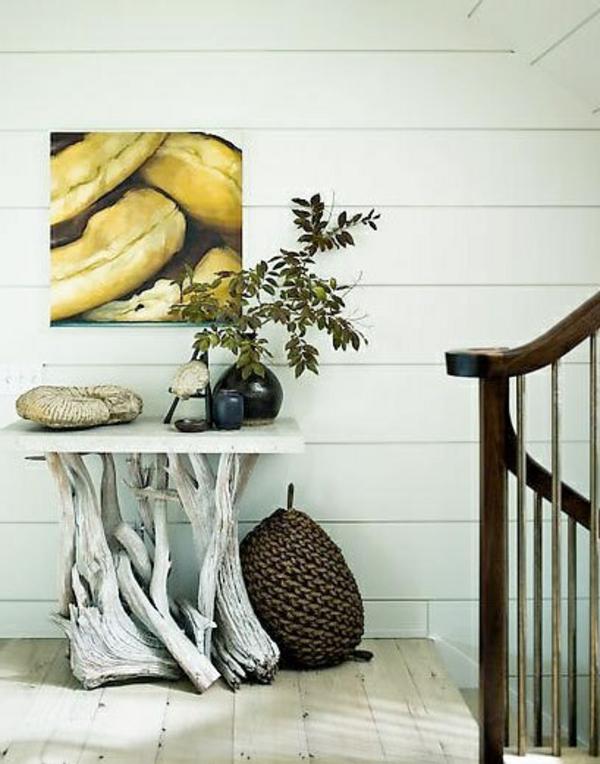 dekorative-weiße-Origineller-Tisch-aus-Treibholz
