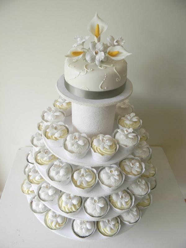 schöne-weiße-cupcake-torte-hochzeit-neue-idee