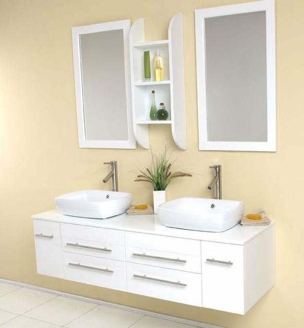 schöne-weiße-unterschränke-im-badezimmer